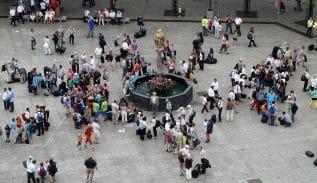 Identifying Crowd Behavior